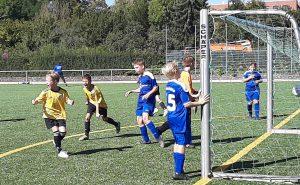 Riesenjubel bei der U12 nach dem 3:1- Heimsieg gegen die U13 des TuSpo Petershütte.